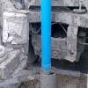 Zapouštění PVC pažnice do vrtu